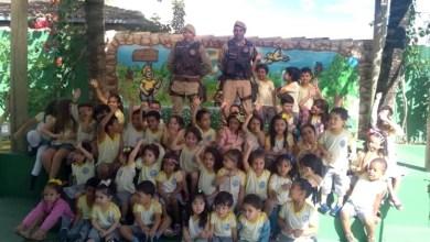 Photo of Chapada: Polícia Militar percorre escolas realizando ações em comemoração ao Dia do Soldado