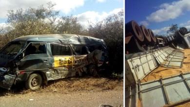 Photo of Chapada: Acidente entre van e carreta deixa dois mortos na região de Seabra; veja fotos