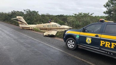 Photo of #Bahia: Avião de pequeno porte faz pouso forçado na BR-110 entre Inhambupe e Olindina