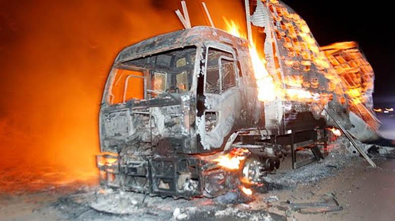 Chapada: Caminhão de empresa de aluguel de som pega fogo entre Iraquara e Souto Soares