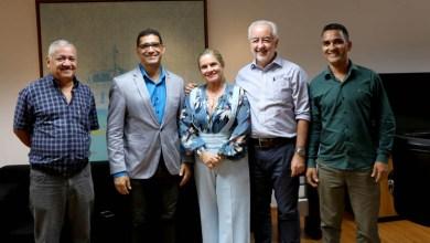 Photo of Chapada: Deputada e prefeito solicitam à Seinfra melhorias para o município de Mucugê