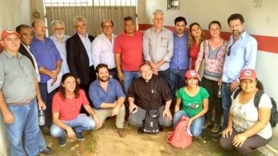 Photo of Deputados defendem permanência de acampados em região de usina falida em Minas Gerais