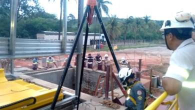 Photo of #Bahia: Bombeiros resgatam trabalhador que caiu em fosso no município de Barreiras