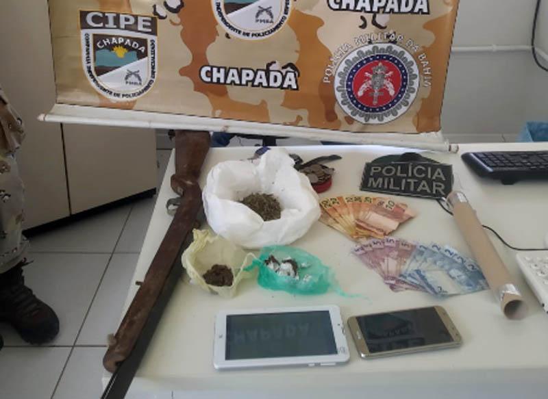 Chapada: Quadrilha é presa em Andaraí com arma de fogo, drogas e produtos roubados