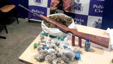 Photo of Chapada: Policiais militares prendem homem com drogas e arma no centro de Seabra