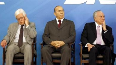 Photo of #Brasil: Temer, Padilha e Moreira devem ser investigados juntos em caso de propina da Odebrecht, diz PGR
