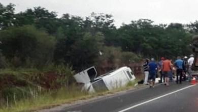 Photo of #Bahia: Uma pessoa morre e 14 ficam feridas em acidente com van entre Vitória da Conquista e Anagé