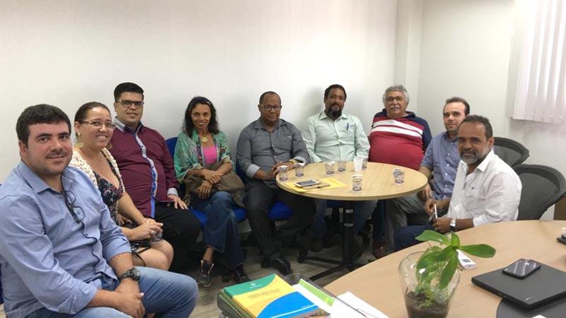 Chapada: Prefeito e políticos de Utinga lutam por instalação de curso de Agronomia no município
