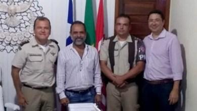 Photo of Chapada: Prefeito Joyuson Vieira debate segurança pública com comandantes da PM em Utinga