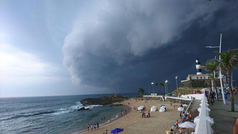 #Urgente: Alerta da Marinha aponta para formação de ciclone tropical na Bahia neste sábado