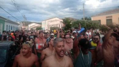 Photo of Chapada: Grupo protesta contra a proibição de 'paredões de som' durante o carnaval em Rio de Contas