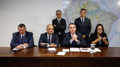 """Photo of #Vídeo: Bolsonaro anuncia decreto para """"facilitar e muito"""" a vida dos caçadores e colecionadores de armas"""