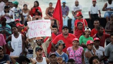 Photo of MST marcha pela liberdade de Lula, reforma agrária e contra mudanças na previdência