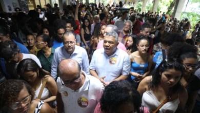 Photo of Valmir volta a criticar cortes em universidade federal durante ato com estudantes na Ufba