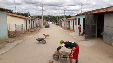 Photo of Chapada: Prefeitura de Utinga entrega mais de 2 mil metros quadrados de ruas calçadas à população