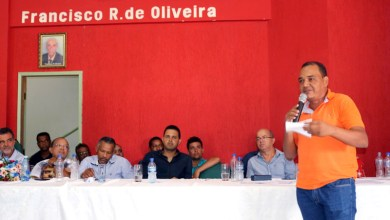 Photo of Chapada: Vereador de Boa vista do Tupim dispara contra ex-prefeito durante ato no município