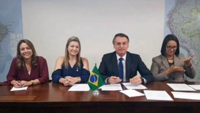 """Photo of """"Eles gostam de pobre"""", diz Bolsonaro sobre veto de emenda do PT para transporte gratuito de bagagem em voos"""