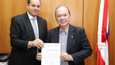 Photo of #Bahia: Presidente da Alba assume governo interinamente até o dia 17 de maio; termo de transmissão é assinado