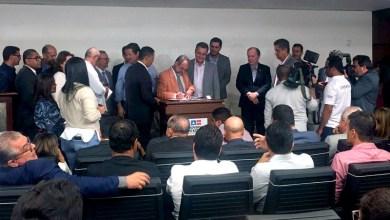 Photo of Chapada: Prefeito de Utinga assina protocolo de intenções com governo para cooperação em ações de saúde