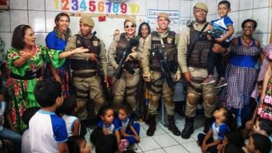 Photo of Chapada: Policiais fazem surpresa em escola de Seabra para comemorar aniversário de garoto