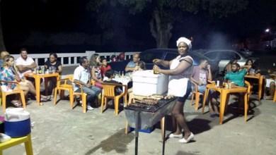 Photo of Chapada: Médica cubana que vende churrasco em Jacobina volta a ser destaque e rebate xenofobia