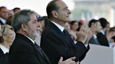 """Photo of """"Estadistas com a sua visão fazem muita falta no mundo de hoje"""", diz Lula ao se despedir de Jacques Chirac"""