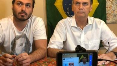 Photo of #Polêmica: Bolsonaro concorda com o comentário do filho em postagem sobre os limites das vias democráticas