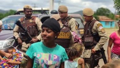 Photo of Chapada: Brinquedos são distribuídos por policiais militares durante campanha de Dia das Crianças em Itaberaba