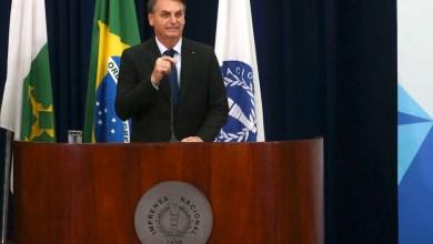 """Photo of #Polêmica: """"É direito dele ficar preso lá. Quer ficar, fica"""", diz Bolsonaro sobre carta de Lula divulgada esta semana"""