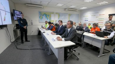 Photo of #Fotos: Rui Costa se reúne com Marinha e Governo Federal sobre manchas de óleo no litoral baiano