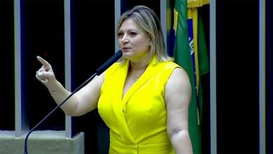 Photo of #Vídeo: Deputada Joice Hasselmann chora na tribuna, cita filho e diz que denunciará Eduardo Bolsonaro