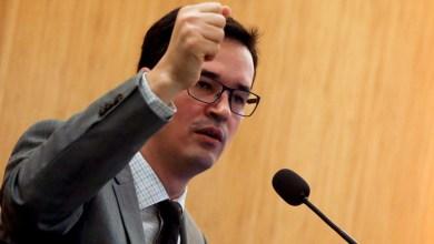 Photo of Por 8 votos a 3, Deltan Dallagnol é punido com advertência por críticas a ministros do STF