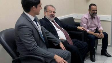 Photo of Chapada: Prefeito de Utinga e deputados conseguem reinício imediato das obras da 'água da Mariazinha'