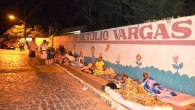 Photo of Chapada: Moradores de Mairi dormem em fila para conseguir vagas para filhos em escola