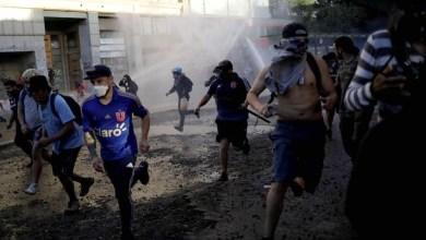 Photo of #Mundo: Polícia usou soda cáustica em água contra manifestantes no Chile, confirma análise em laboratório