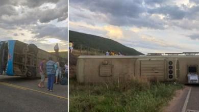 Photo of Chapada: Ônibus da Novo Horizonte tomba em trecho da BA-148 na região de Jussiape