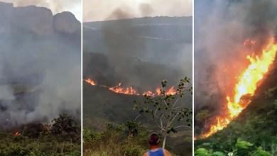 Photo of Chapada: Grande incêndio na Serra do Sincorá entre Ibicoara e Iramaia se concentra em área de difícil acesso