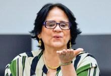 Photo of #Brasil: Foliões de Belo Horizonte lançam bloco 'Quem deu, deu. Quem não deu, não Damares'