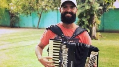 Photo of #Vídeo: Cantor de forró morre em Feira de Santana devido a bactéria no rosto e amigos fazem evento para ajudar a família
