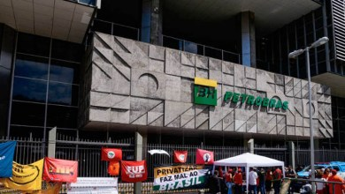 Photo of #Brasil: TST permite contratação temporária durante greve da Petrobras e bloqueia contas de sindicatos