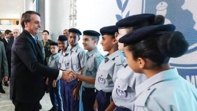 Photo of #Brasil: Escolas cívico-militares do governo Bolsonaro terão veto a celular, 'rondas' e regras para cabelos