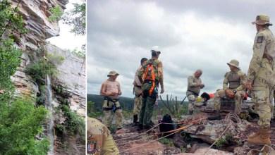 Photo of Chapada: Policiais recebem instruções de rapel em novo treinamento na Cachoeira do Ferro Doido em Morro do Chapéu