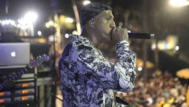 Photo of #Vídeo: Passagem do rapper Mano Brown pelo circuito Barra/Ondina emociona vendedor ambulante
