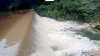 Photo of Chapada: Barragem do Poço Feio no município de Piritiba transborda após fortes chuvas; confira o vídeo