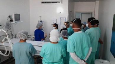 Photo of 'Roberto Santos' treina mais de 1200 profissionais para situações relacionadas à Covid-19