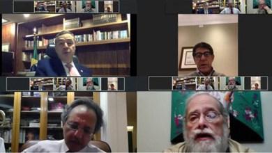 Photo of #Brasil: Presidente do TSE discute com médicos impacto da pandemia nas eleições no país