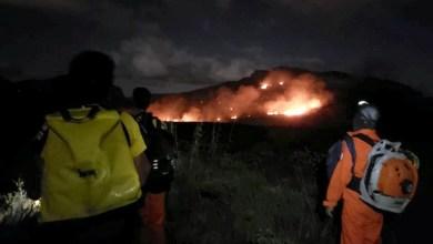 Photo of #Chapada: Brigadistas ficam até 2h da manhã para debelar fogo na nascente do Rio Preto na região do Vale do Capão