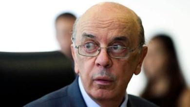 Photo of #Brasil: Defesa de senador tucano réu em investigação de lavagem de dinheiro consegue suspender andamento de ação