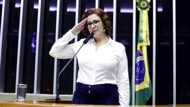 Photo of #Polêmica: Deputada Carla Zambelli protocola projeto de lei contra vacina obrigatória para covid-19