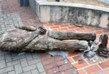 Photo of #Brasil: Estátua do escritor Ariano Suassuna é alvo de vandalismo na região central de Recife